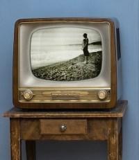 Bewusstes Fernsehen und Manipulation verringern
